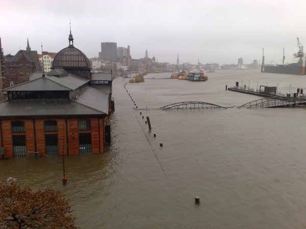 In November 2007, the cyclone Tilo swept over the North Sea, causing the highest water levels in Hamburg for eight years. The Hamburg Fish Market and low lying areas of the port were flooded.